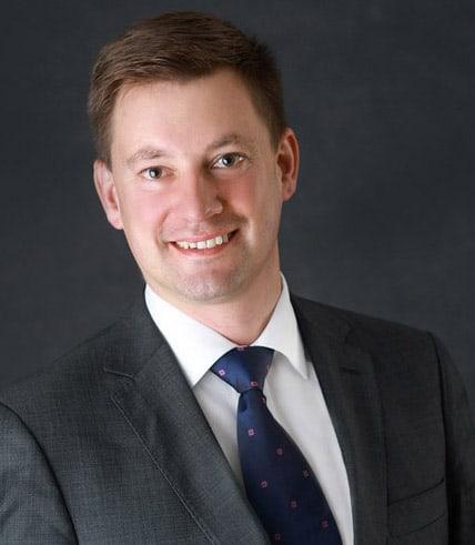 Dr. Alexander Pfab